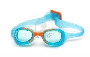 8604586-gafas-para-nadar-sobre-fondo-blanco-gafas-protectoras